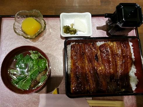 豊中市の一心屋で鰻重ランチをいただきました。