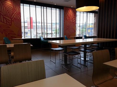 伊丹のマクドナルドでモーニングをしました。
