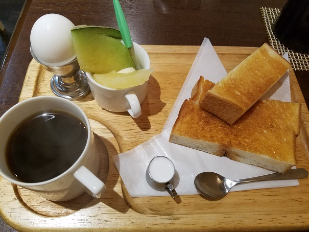西宮市でモーニング 喫茶YONE でいただきました