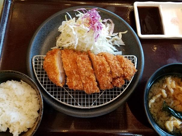 約30年振り、神戸市東灘区の「とんかつながた園 」で、とんかつを食す