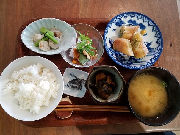 宝塚市平井のつばめ軽食店でランチです