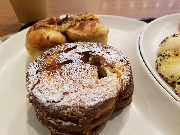 伊丹市中野東のカフェ &ベーカリー MIYABI Cafe & Boulangerie でランチです