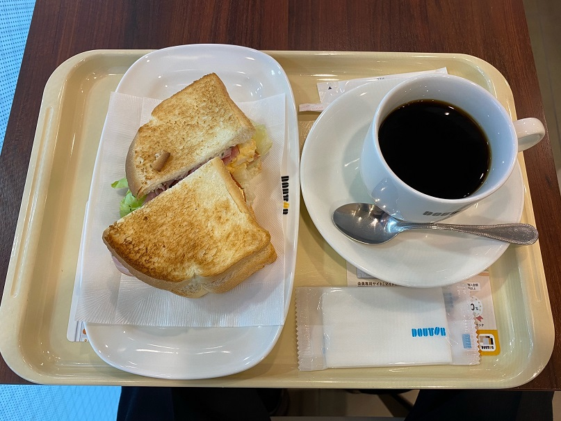 ドトールコーヒーショップ EneJet豊中緑ヶ丘店でモーニング(朝食)です