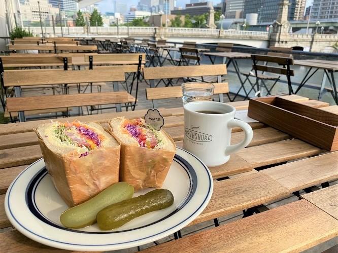 大阪市北浜、人気店、ノースショア NORTHSHORE CAFE&DININGで7時からモーニング!